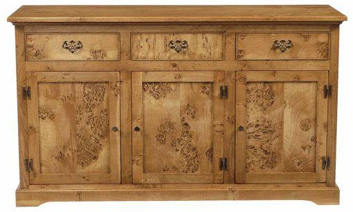 Pippy Oak Dresser Base: HD402 3 Drawer version