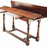 Refectory console table: Practical fold out flaps for easy storage