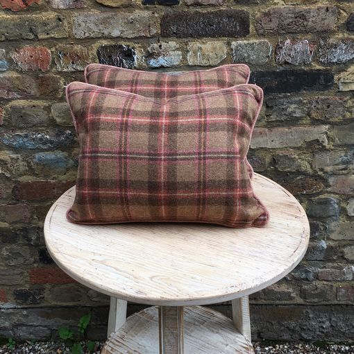 Wool Check cushion: Reverse of scatter cushion